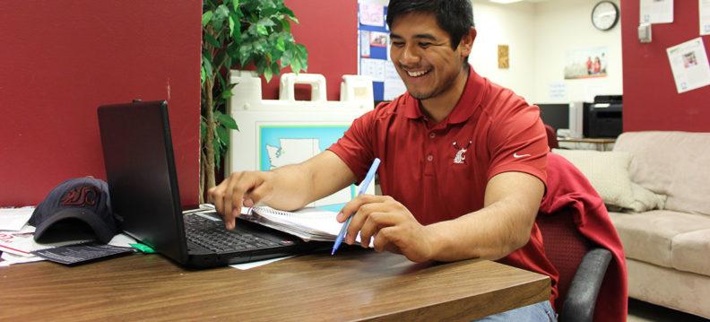 Ramiro Gonzalez studies in the WSU LSAMP Center.