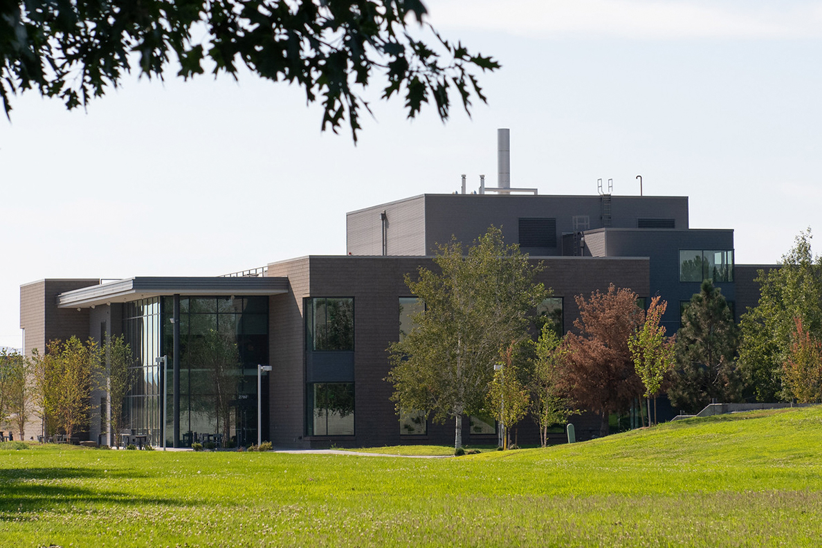 Exterior view of Collaboration Hall on the WSU Tri-Cities campus.