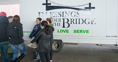 WSU students volunteering with the group Blessings Under The Bridge.