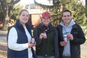 Animal Sciences Students with Cougar Seasonings