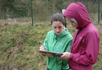 Youth volunteers contributing to stream monitoring and research