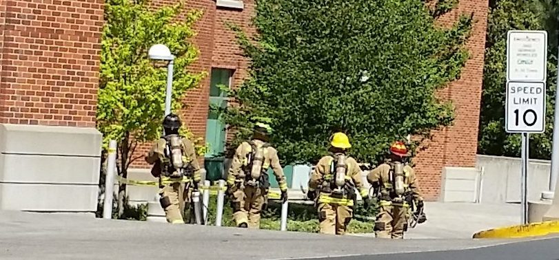Pullman firefighters round the corner of ETRL