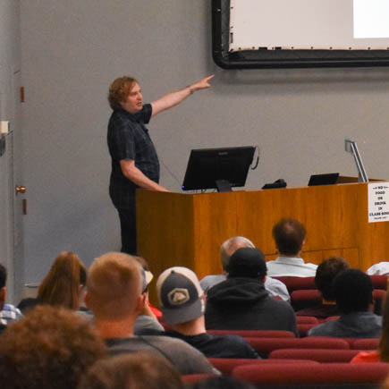 Microsoft Senior Director of Engineering, Jason Tripard, presenting at the Fall 2019 Mentoring Event