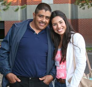 La-Bienvenida-dad-daughter-400
