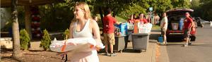 Move-in-volunteers-2013--600