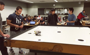 students-practice-with-robots-in-ME-401