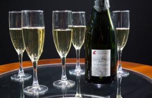 wine-bottle-and-full-glasses