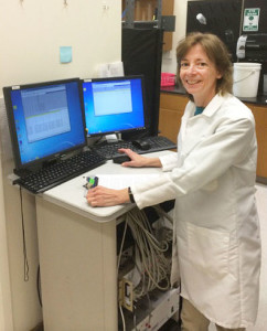 Sorg-in-her-lab-at-WSU-Vancouver