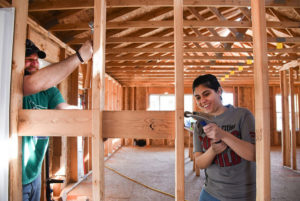WSU-Tri-Cities-students-work-on-home-construction-web