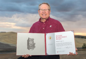randy-suess-wsu-alumni-award-by-dean-hare-web