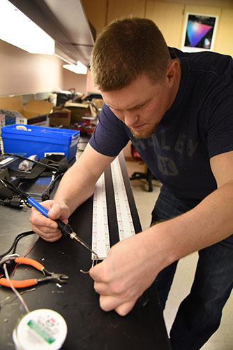 wsu tri-citites works on solar lighting