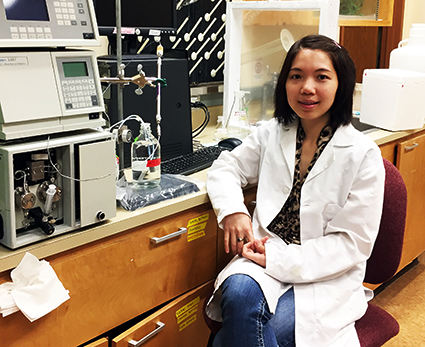 Ly Thu, in WSU lab, conducts research on mutations in heart muscle protein
