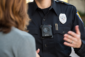Policeman using the Axon-6 body camera