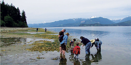 Beach_naturalists_with_kitsap_water_stewardship_program