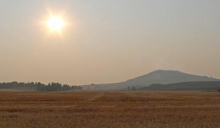 wildfire smoke fills Palouse skies by Henry Moore Jr WSU