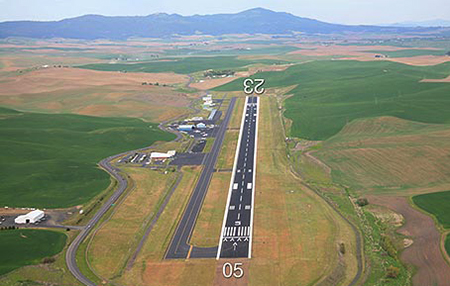 Pullman_Moscow Airport DOT photo runway