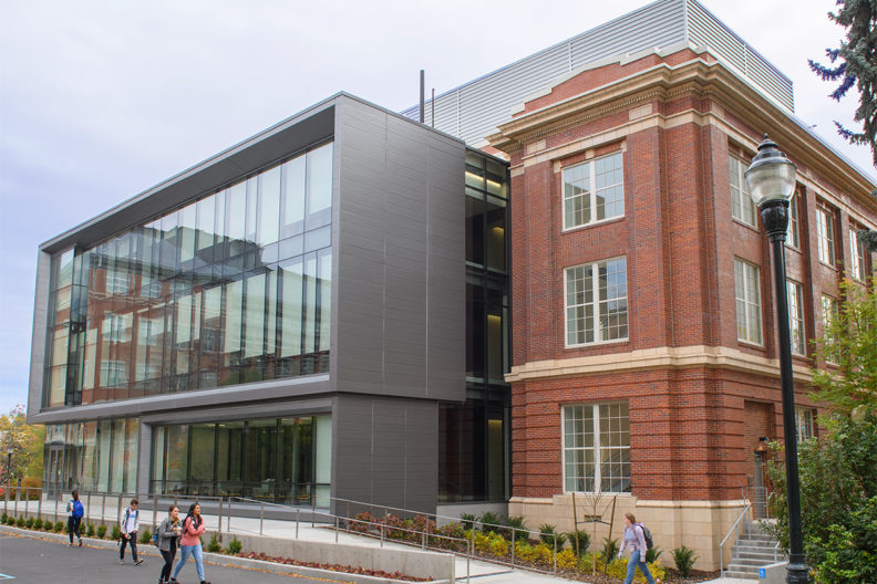 The labs, meanwhile, are designed to support student and research chemists but have built-in flexibility to serve engineering, agriculture, biotechnology, medicine dentistry, nursing, pharmacy, and veterinary students.