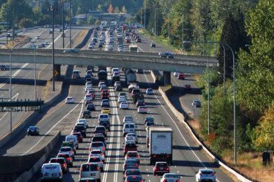 Vehicle traffic on i90 outside of Spokane
