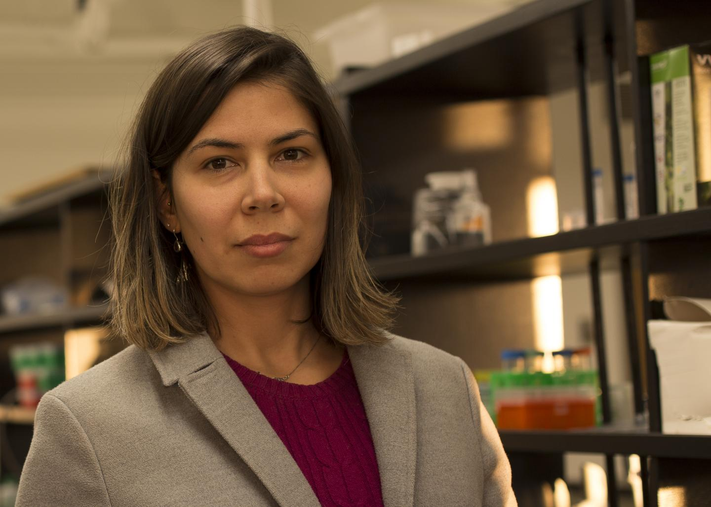 Luana Lins, WSU postdoc researcher
