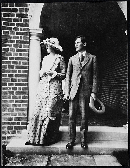 Virginia and Leonard Woolf in 1912, public-domain photo courtesy of Wikimedia Commons.