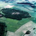 Aerial photo of Broborg hillfort as it appears today (Photo Bengt Fredén/Upplandsmuseet)