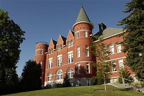 Exterior view of Thompson Hall on the WSU Pullman campus