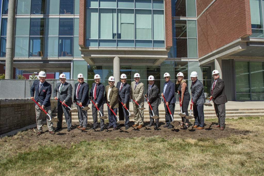 Rich Koenig, Derek Sandison, Jim Moyer, Ron Mittelhammer, Dan Bernardo, André Wright, Kirk Schulz, Mark Schoesler, Mike LaPlant, Mary Dye, Brett Blankenship, Bryan Slinker break ground on new Plant Sciences Building on Pullman campus (WSU Photo-Shelly Hanks).