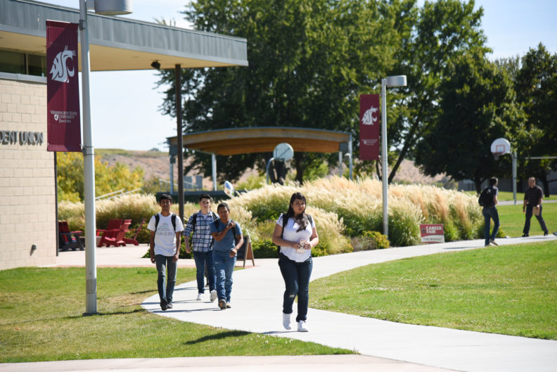 WSU students walking to class on the Tri-Cities campus.
