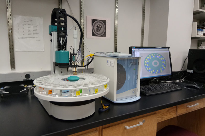 WSU's electronic tongue in a laboratory