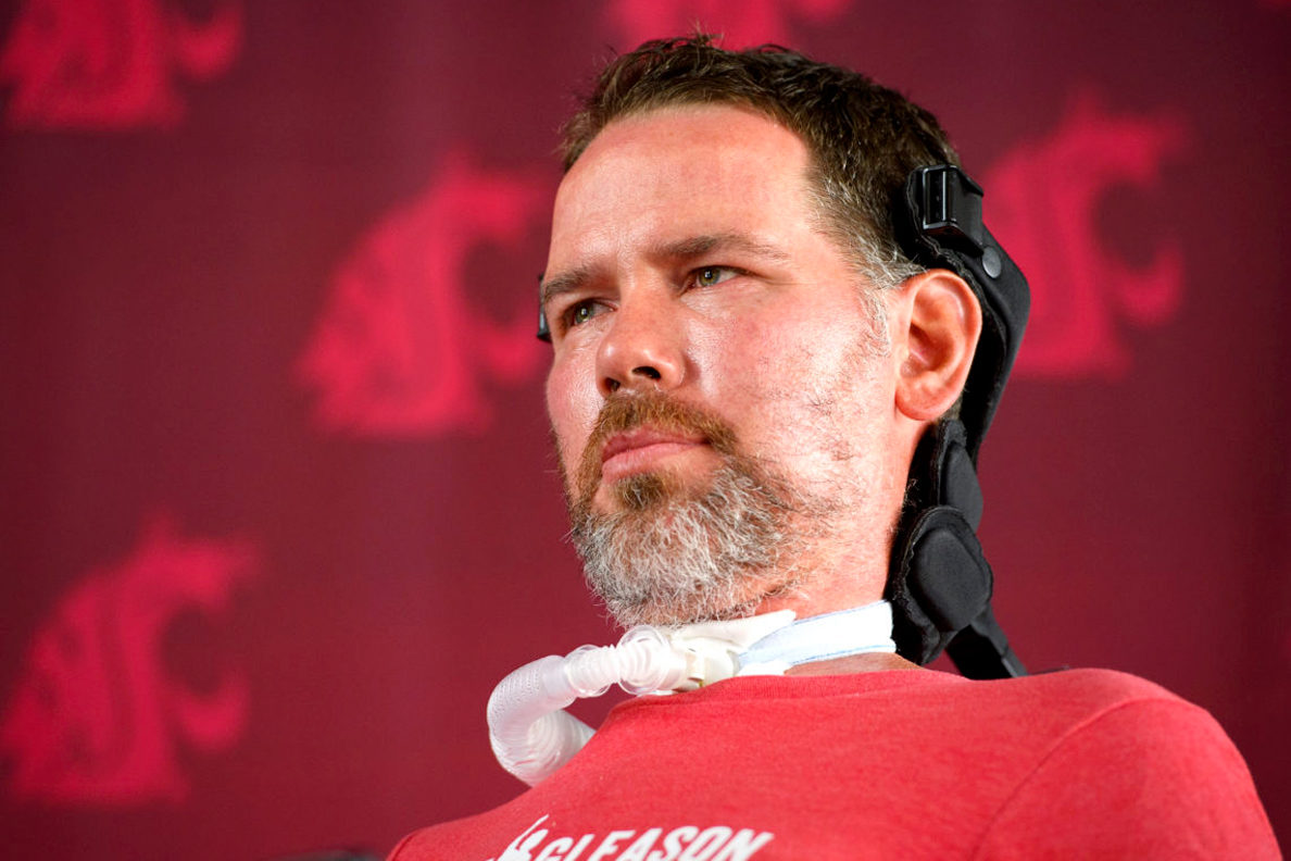 Ex-NFL player Steve Gleason awarded top Congressional medal for ALS activism