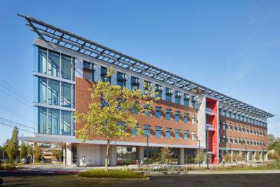 Exterior of the WSU Everett building.