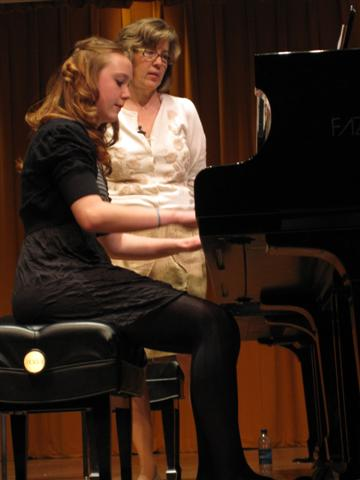 Valerie Roth Roubos works with PPLS student in a masterclass