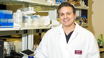 Professor Marcos Frank in his laboratory.