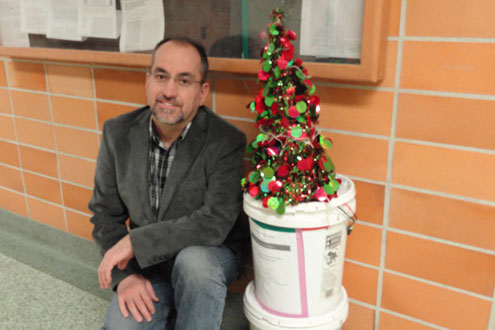Professor Haluk Beyenal with his water-powered Christmas tree