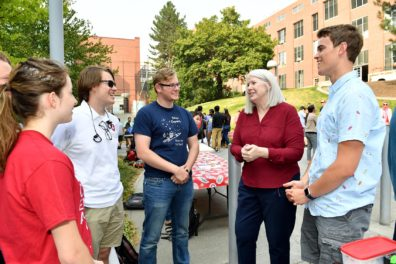 WSU Voiland College Dean, Mary Rezac visiting with students, 2018