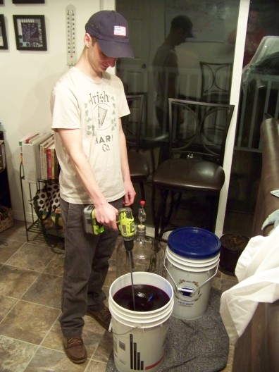 Clarifying the wine must to remove the sediment