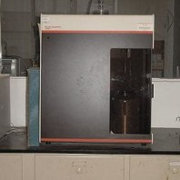 TRISTAR 3000 BET Surface Analyzer