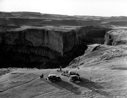 Palouse Falls, 1932. Courtesy of WSU Libraries, MASC.