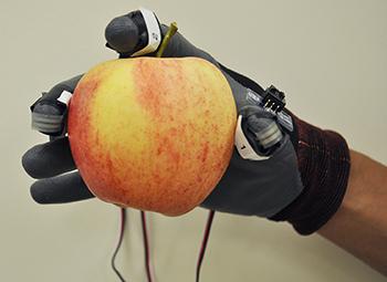 karkee-robothand-30aug2013
