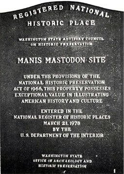 Plaque of Manis Mastodon site as registered national historic place. Photo Bob Cooper