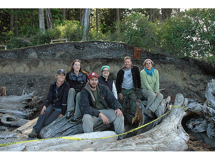 WSU archaeologists on Galiano