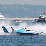 Chip Hanauer piloting the Boeing U-787