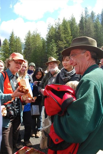 Lori Carris leads mushroom class