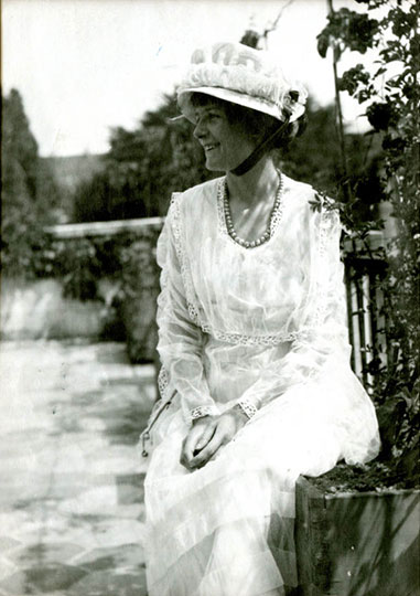 Portrait of Marjorie Daw-Johnson, former resident of Room 11. c. 1916.
