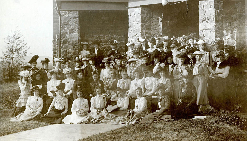 Washington State Federated Women's Club, Stevens Hall, 1902 - Group portrait of members of Washington State Federated Women's Club including Mrs. E. A. Bryan.