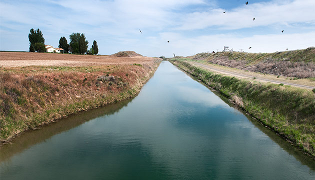 Canal in Columbia Basin. Photo Zach Mazur