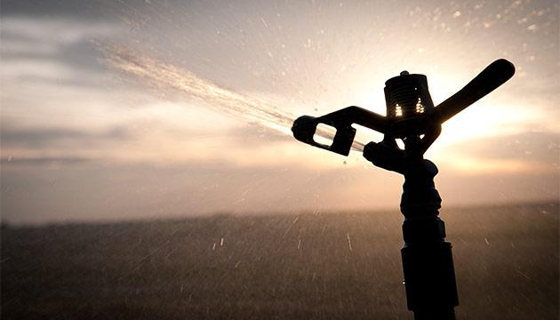 Sprinkler in Columbia Basin. Photo Zach Mazur