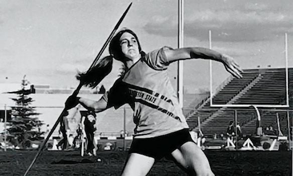 Jeanney Eggart throwing javelin
