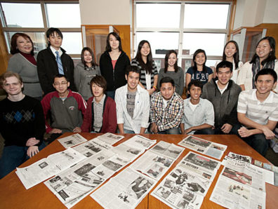 Patti Hirahara meets with students from the Japan Club and the American Nihonjin Organization at WSU