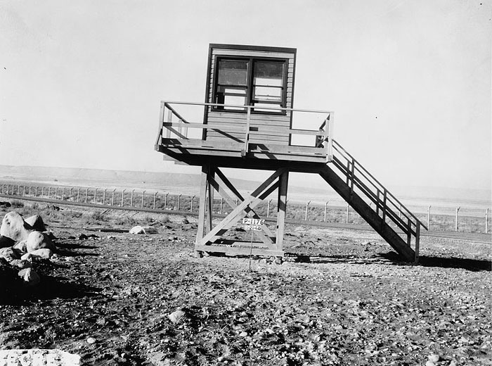 Guard tower in 100-B Area, 1944